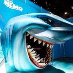 ホホジロザメのブルースなど ディズニー・ピクサー映画の世界を体験出来る企画展